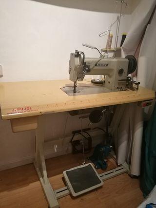 Maquina coser triple arrastre