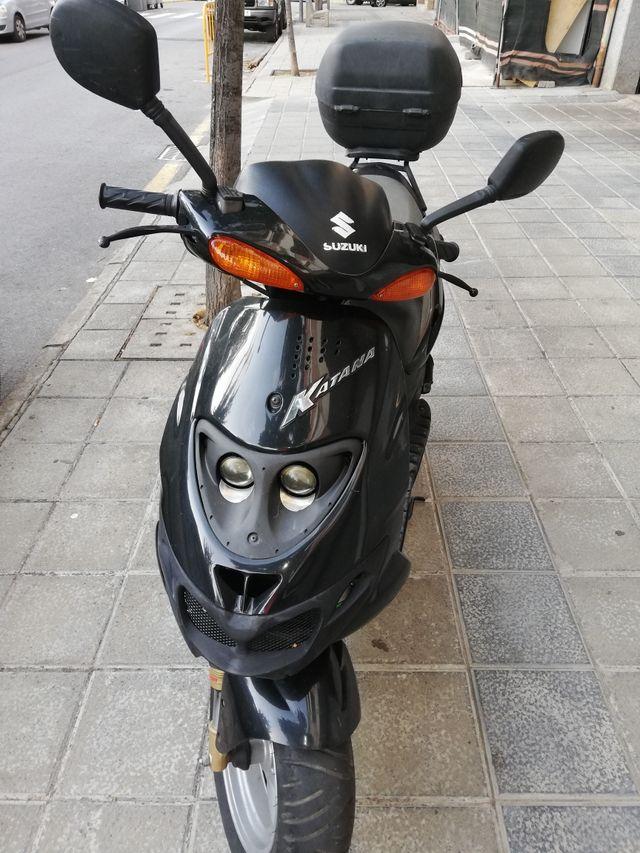 Se vende scooter Suzuki Katana 50cc