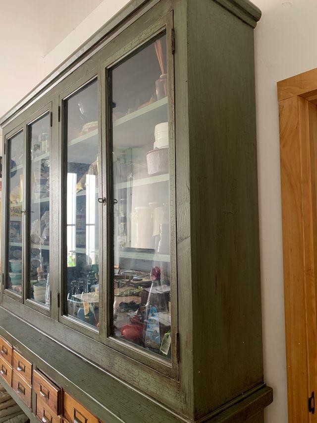 Alacena vitrina librería antigua restaurada