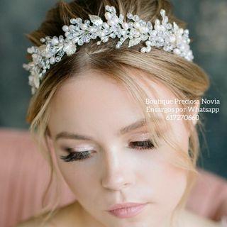 Tiara de perla agua dulce y cristal Swarovski joya