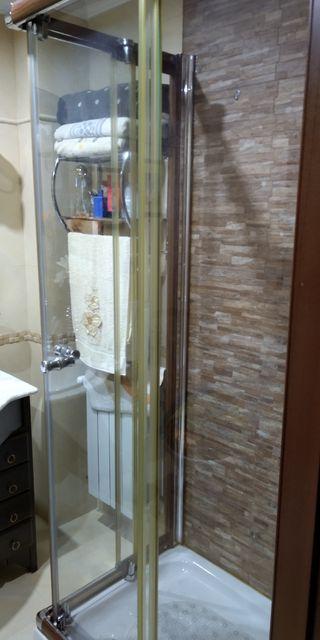 Mampara de baño y plato de ducha