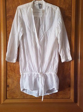 Blusa breska y vestido desigual.