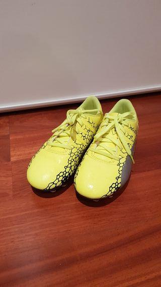 Botas de fútbol niño Puma, número 34