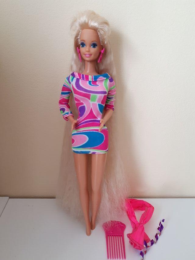 Muñeca barbie totally hair.