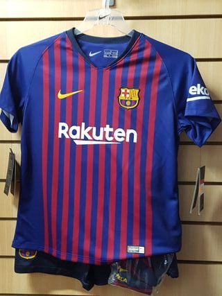 conjunto FC Barcelona 18/19 talla 6-7 niño