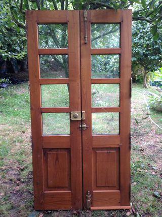 Puerta madera Castaño 2 hojas.