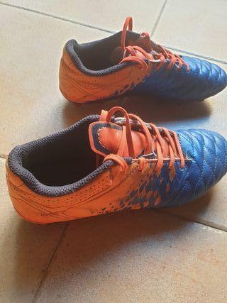 botas futbol talla 33