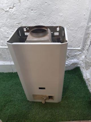 Termo automatico gas Vaillant con carcasa exterior