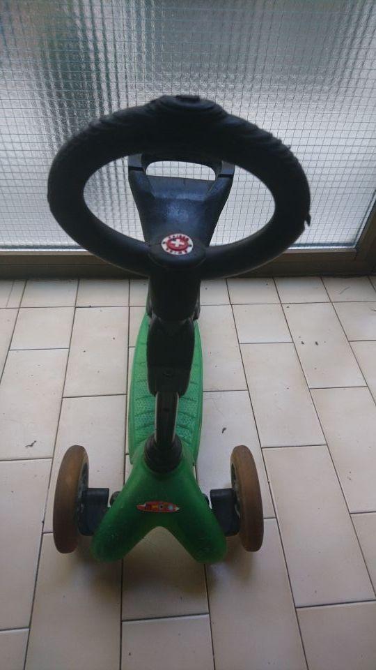 patinete mini micro verde con asiento