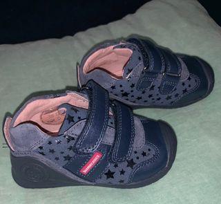 Zapato Biomecanics N*22 NUEVOS
