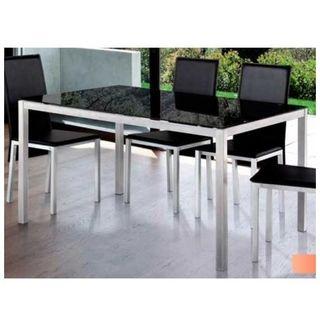 mesa comedor y mesa pequeña de centro a juego