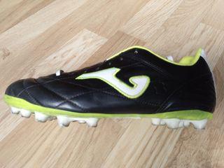 Botas de fútbol talla 40