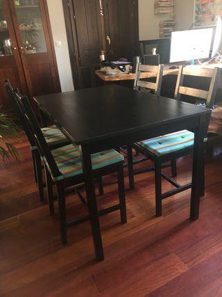 Mesa y 4 sillas - Negociable