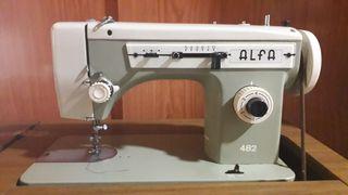 Maquina de coser ALFA 482