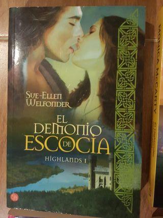 4 Novelas romanticas de epoca.