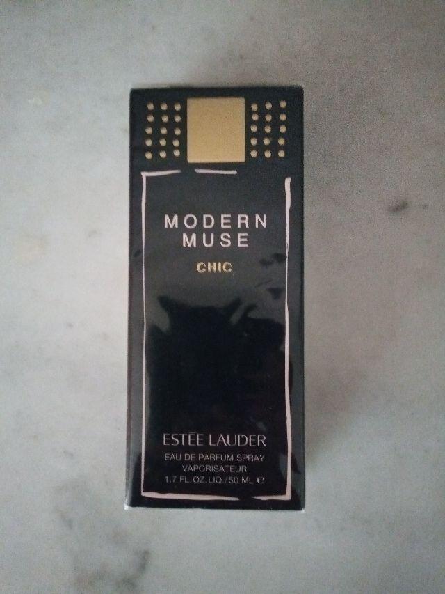 Perfume Este Lauder Modern Muse Chic