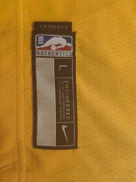 NBA Lakers t-shirt