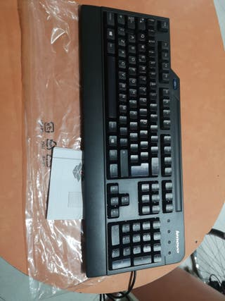 Teclado USB con lector de tarjetas