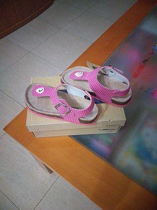 sandalias nuevas número 30