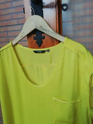 Blusa amarilla de gasa