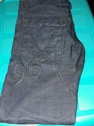 pantalón equivale a una 42