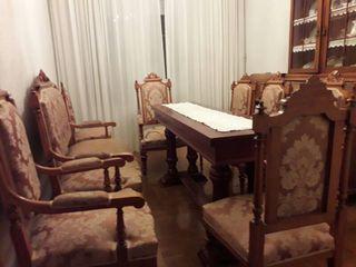 comedor (mesa,mas sillas y sillones)