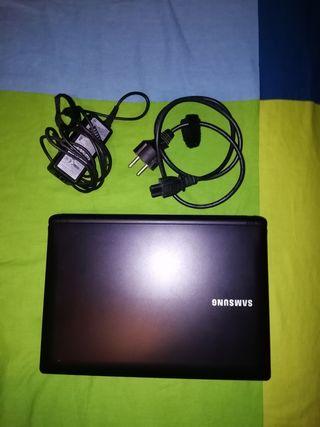 Ordenador Samsung N150 Plus tamaño pequeño