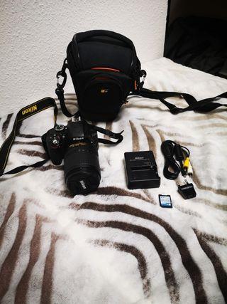 Cámara de fotos Nikon en perfecto estado