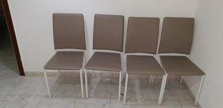 silla de color gris