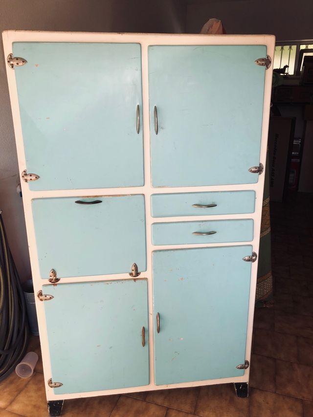 Mueble de cocina muy antiguo de segunda mano por 200 € en ...