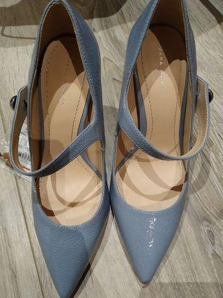zapatos tacón azul