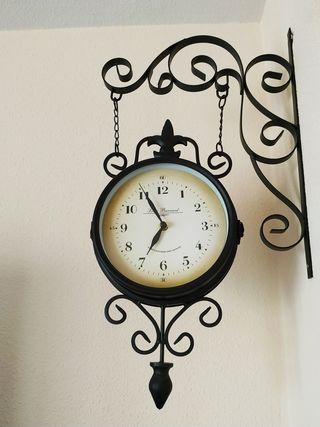 Reloj de pared estilo estación de tren