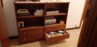 Mueble recibidor de madera oscura