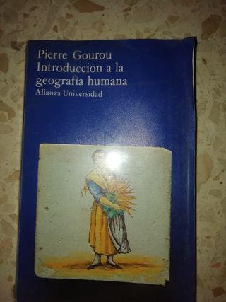 Libro: Introducción a la Geografía humana
