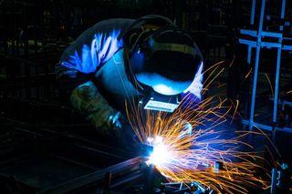 soldador hace reformas, reparaciones, etc