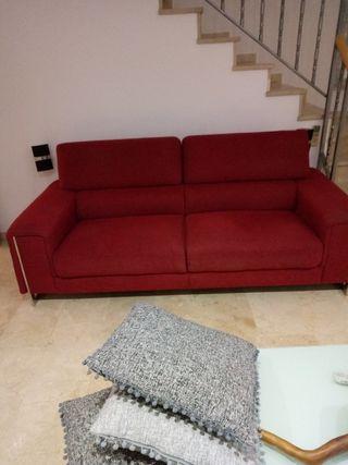 sofá tela rojo
