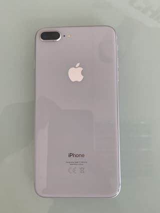 IPHONE 8 PLUS 64GB PLATA (MARCAS DE USO)