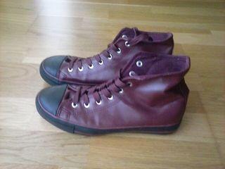 Zapatillas (Estilo Converse).