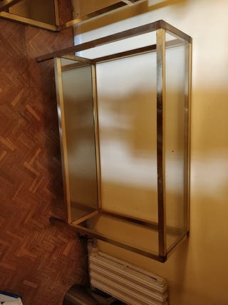 2 muebles auxilares, recibidor, pasillos