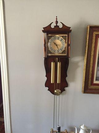 Reloj clásico de pared
