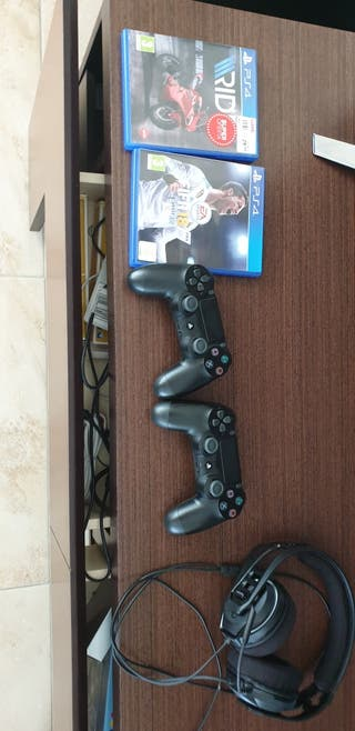 play Station PS4 PRO