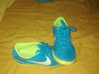botas fútbol sala Nike