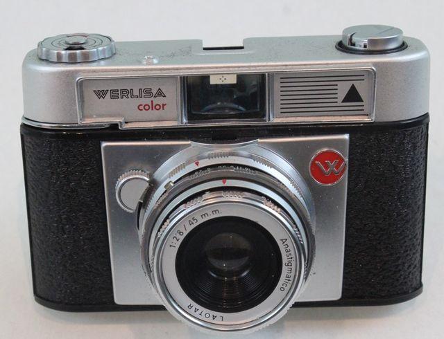 Cámara fotográfica Werlisa-Color, con estuche.