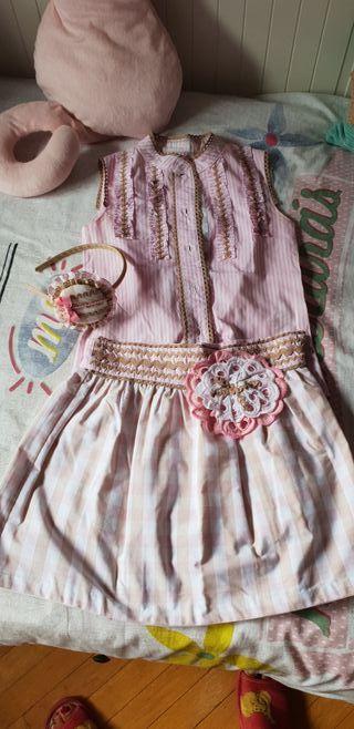 Conjunto niña de falda y blusa. Nellblu. Talla 6