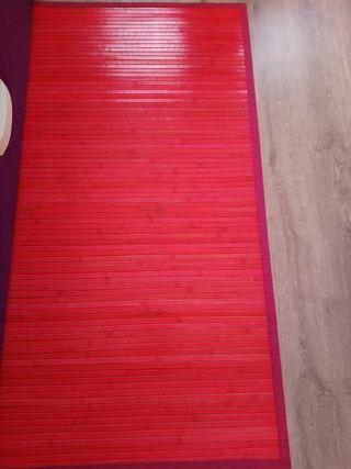 alfombra de bambu fucsia