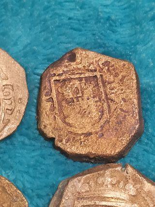 lote de monedas medievales del siglo XVI
