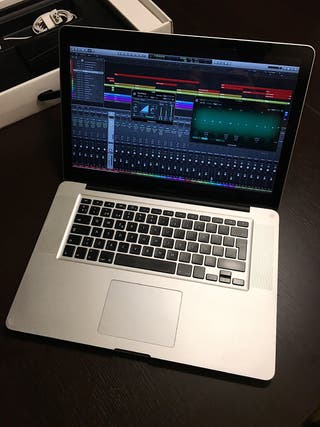 """Apple MacBook Pro 15"""" Quad i7 """"profesional"""""""