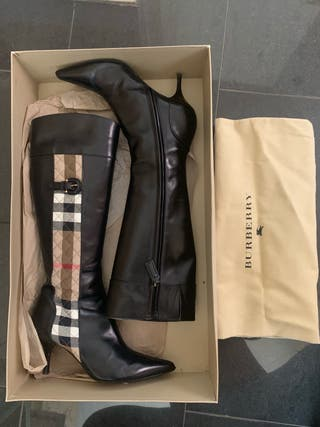 VINTAGE AUTHENTIC BURBERRY BOOTS
