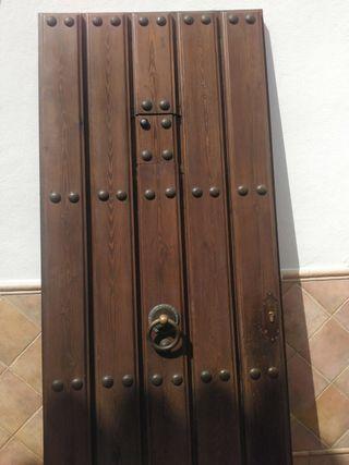 puerta de madera maciza de exterior