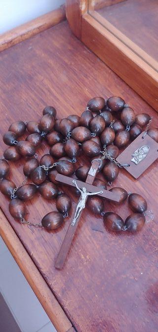 Antiguo Rosario de madera muy antiguo.
